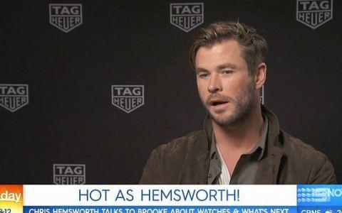 Reacția lui Chris Hemsworth când o jurnalistă flirtează cu el în timpul unui interviu TV
