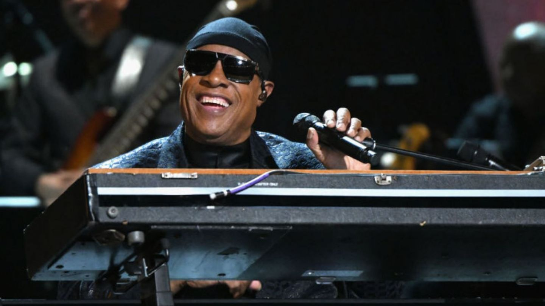 Stevie Wonder are nevoie de un rinichi nou. Cântărețul va face transplant la 69 de ani