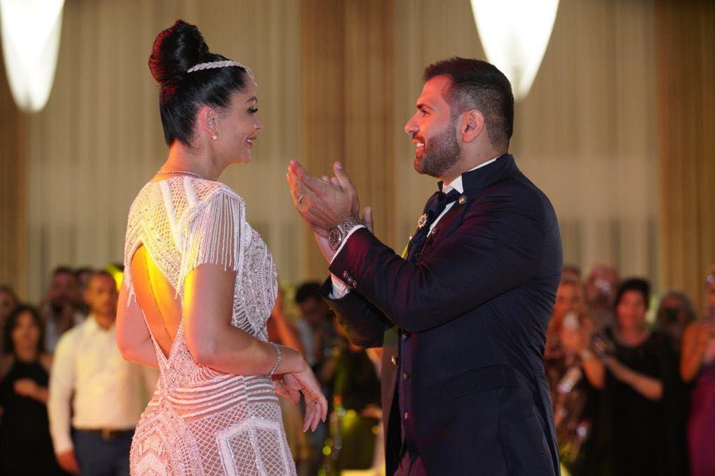 NUNTA ANULUI Dansul mirilor a fost unul dintre cele mai romantice momente ale serii