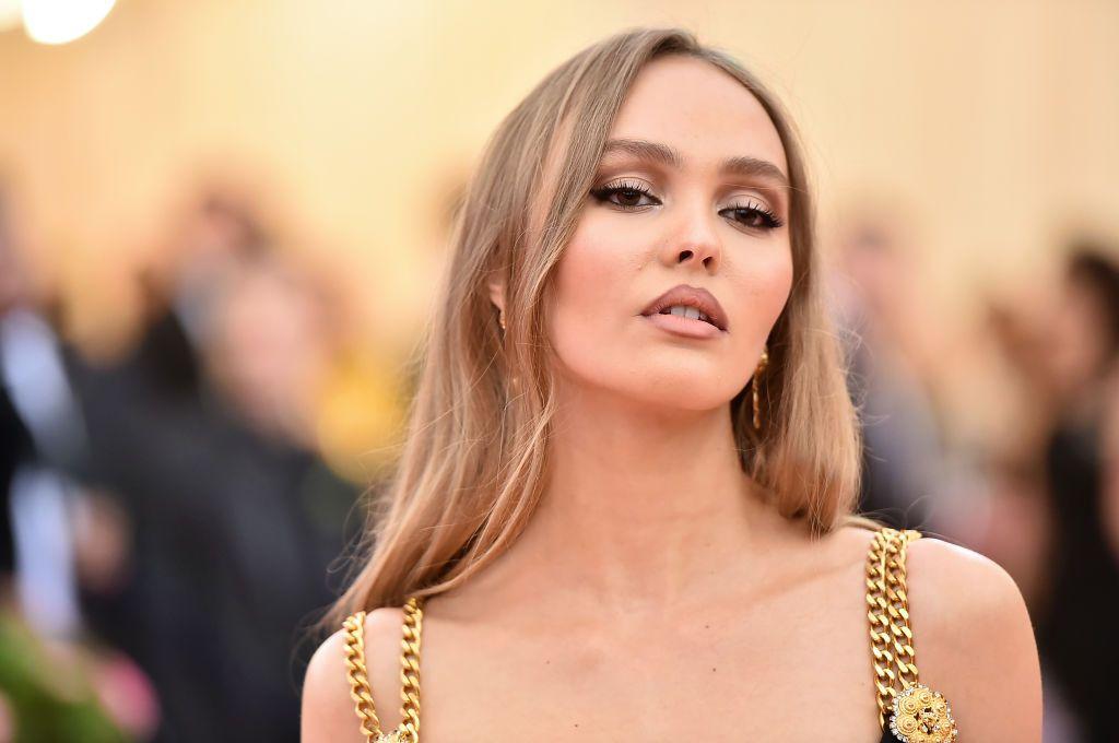 Fiica lui Johnny Depp, în București! Tânăra, de o frumusețe răpitoare, se bucură de zilele în România