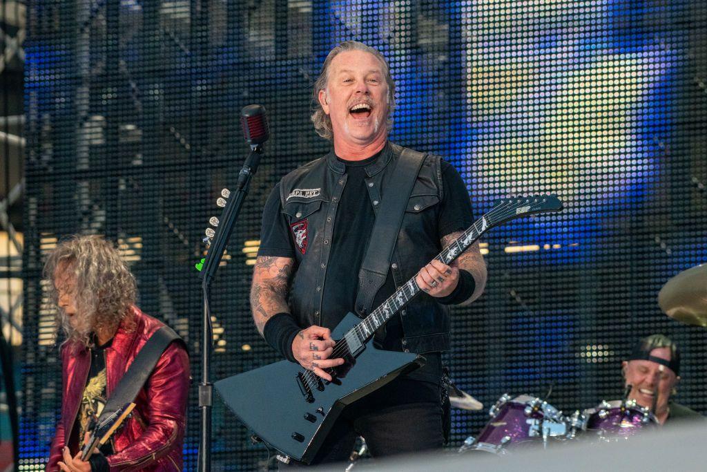 Metallica revine în România! Solistul e fan Gică Hagi, iar la ultimul concert din țara noastră i-a transmis un mesaj