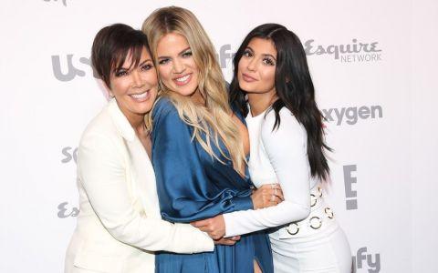 Câți bani vor surorile Kardashian-Jenner pentru a mai apărea în reality-show-ul care le-a făcut celebre