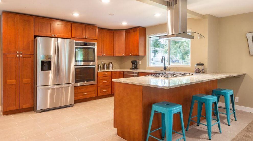 (P) 6 întrebări la care să cauți răspuns înainte să cumperi o hotă de bucătărie