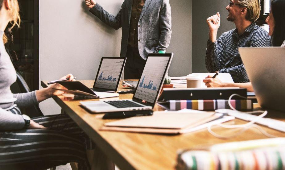 (P) 5 moduri de a stimula productivitatea la birou