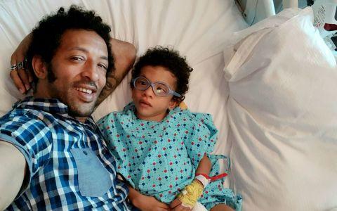 Kamara și-a dus fiul în Turcia pentru a 5-a intervenție cu celule stem. Cum se simte Leon și ce efect a avut intervenția