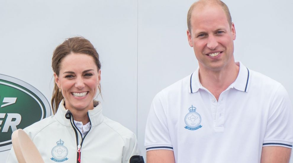 William și Kate au călătorit cu un avion de linie. Cum au reacționat ceilalți pasageri