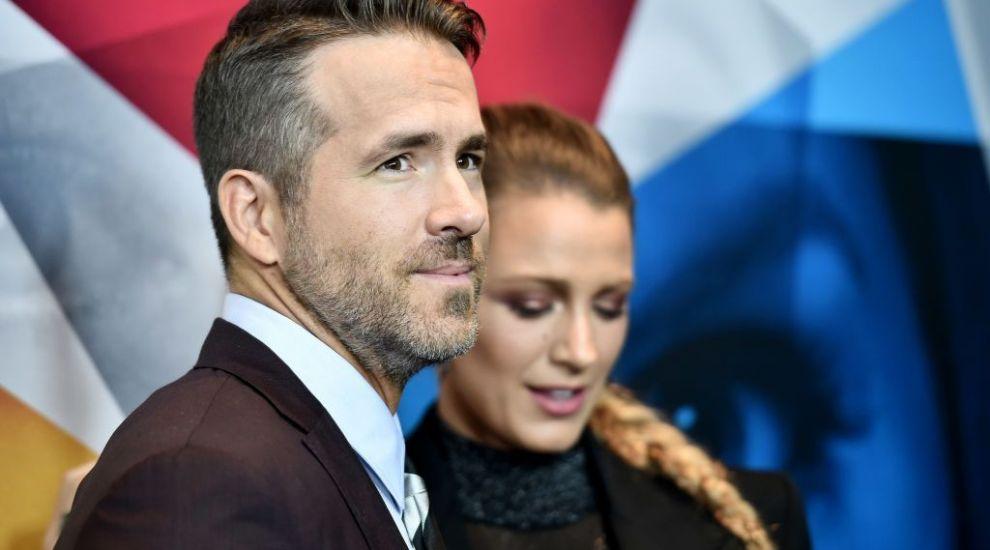 Ryan Reynolds, cadou amuzant pentru soția lui: cele mai nereușite selfie-uri cu ei doi