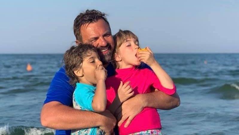 Horia Brenciu a împlinit 47 de ani. Ce cadou emoționant i-au făcut copiii lui
