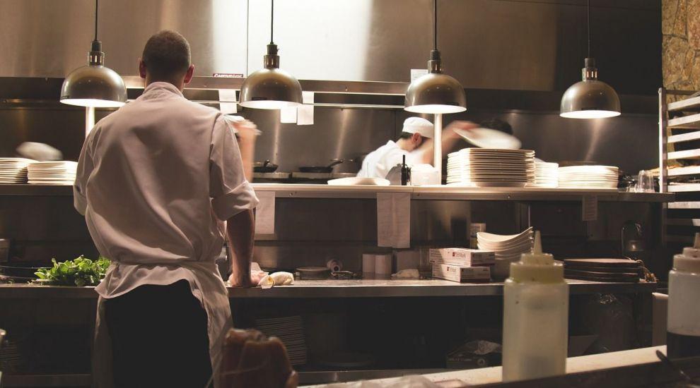 (P) Care sunt avantajele utilizarii unui cuptor gastronomic in propria bucatarie?