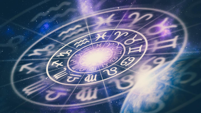 """VIDEO Nicoleta Svârlefus, despre horoscopul lunii septembrie. """"Se anunță o lună agitată și încărcată!"""""""