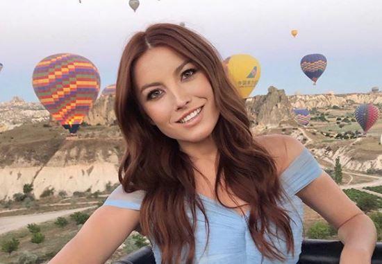 VIDEO Elena Gheorghe, vară plină de surprize