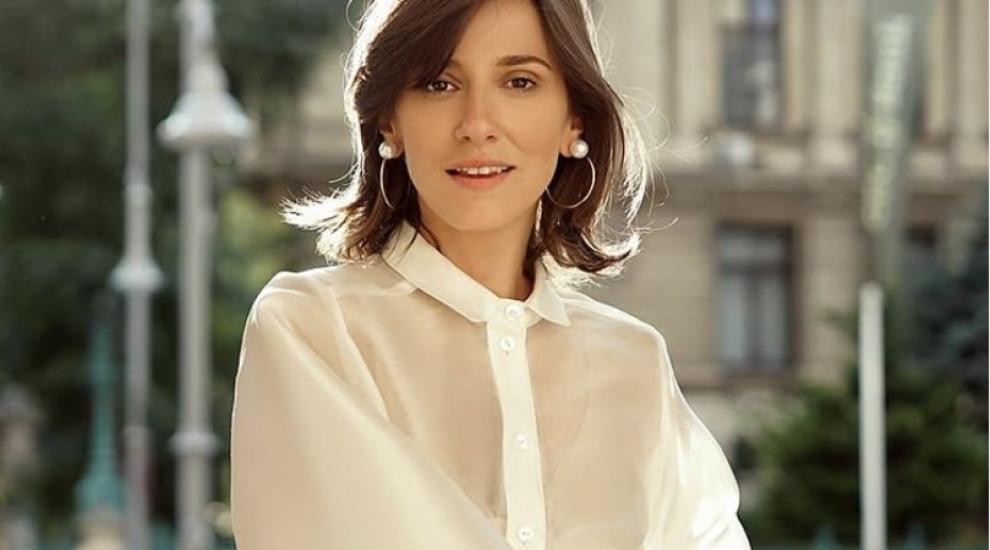 Dana Rogoz, fermecătoare pe covorul roșu la Festivalul de Film de la Veneția