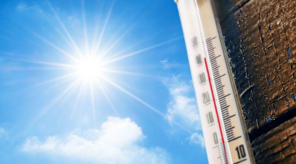 VIDEO Prognoza meteo: Vremea se menține călduroasă
