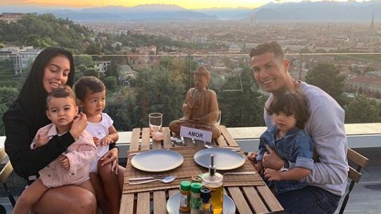 Cresc împreună 4 copii, dar nu s-au căsătorit. Ronaldo, dezvăluiri despre relația cu Georgina