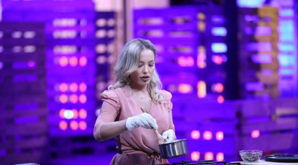 Diana Ungureanu e una dintre cele mai îndrăznețe concurente de la Masterchef! Vezi în ce ipostaze sexy pozează