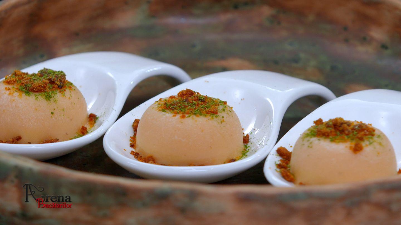 Fasole bătută cu ceapă caramelizată și Colțunași umpluți cu hribi, brânză de Horezu și sos de zacuscă