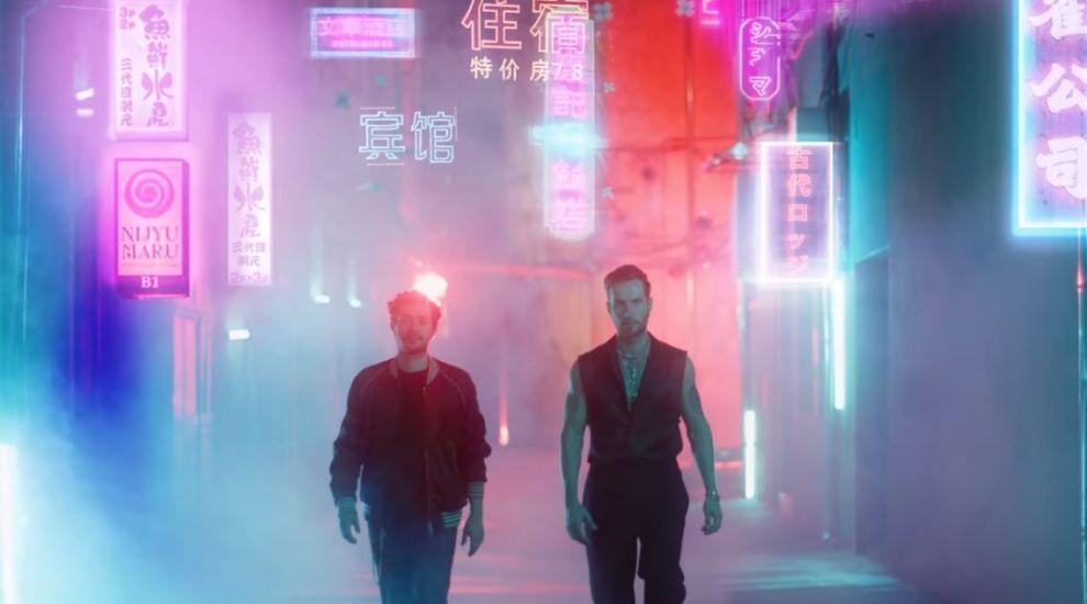 """VIDEO Moga și Randi lansează un nou single """"Professional Liar"""""""