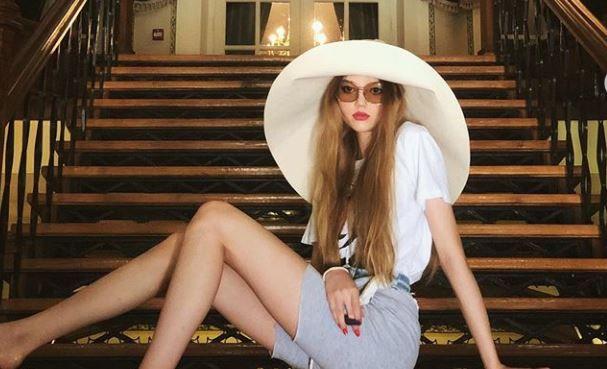 Fiica lui Ingrid Vlasov, schimbare controversată de look la doar 15 ani