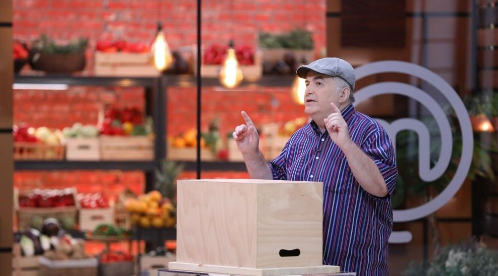 Florin Călinescu intră  în bucătăria MasterChef și îi provoacă pe concurenți să gătească preparatul lui preferat