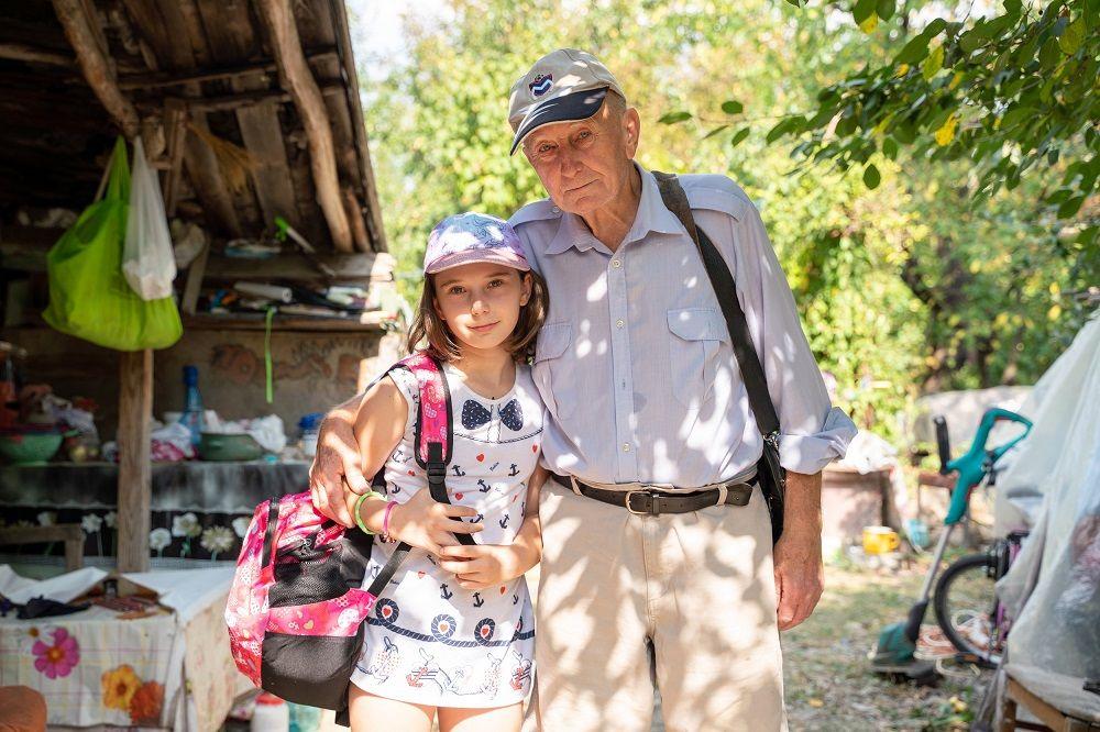 """O fetiță abandonată de mamă și crescută de bunic are parte de """"Visuri la cheie"""""""