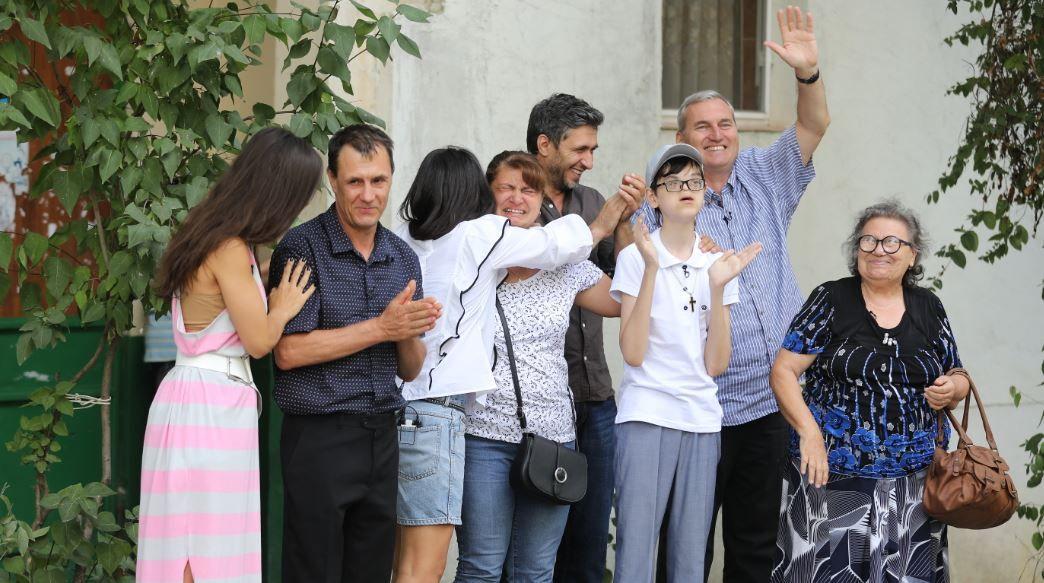 Peste 1.6 milioane de oameni au urmărit povestea de viață a lui Raul, un copil greu încercat de viață