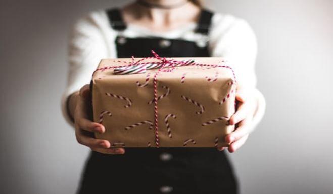 (P) Idei de cadouri utile pentru părinți