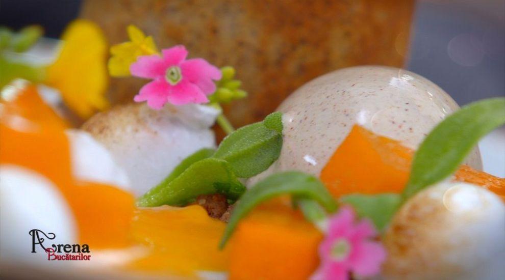 ARENA BUCĂTARILOR: Moelleux au chocolat cu înghețată cu scorțișoară și coulis de dovleac