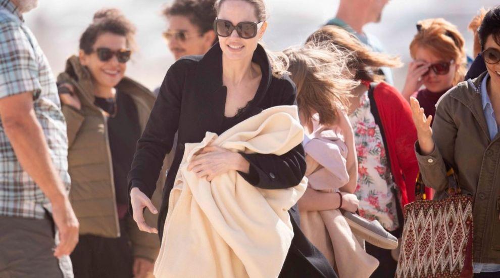 Angelina Jolie și-a luat copiii cu ea pe platourile de filmare. S-au simțit ca în vacanță