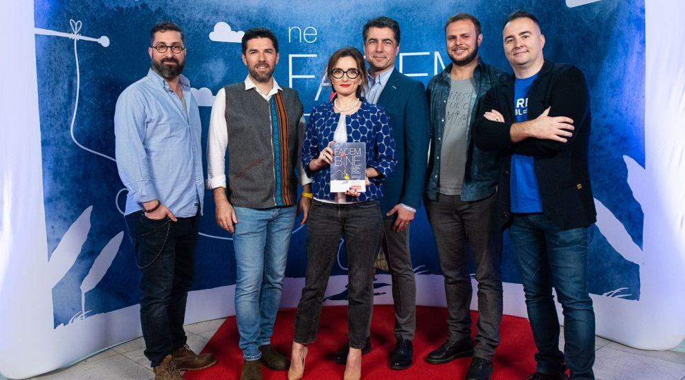 """Echipa """"România, te iubesc!"""" lansează cartea """"Ne facem bine"""". Volumul este o antologie de fapte extraordinare"""