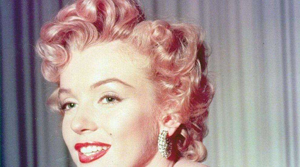 Secretul lui Marilyn Monroe a fost aflat: ce purta pe sub rochia în care i-a cântat președintelui Kennedy La mulți ani