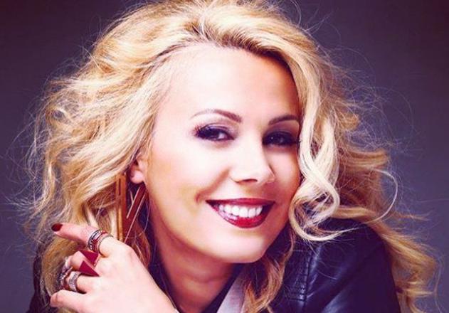 VIDEO Dana Săvuică, înconjurată de pachete de mușchi