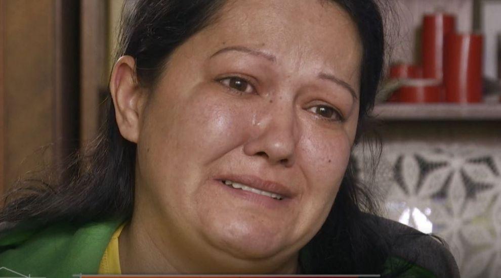 Un diagnostic crud, o familie greu încercată și un apartament distrus. Povestea lor a înduioșat echipa Visuri la Cheie
