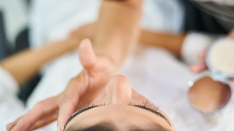 (P) Cum ingrijim tenul acneic?