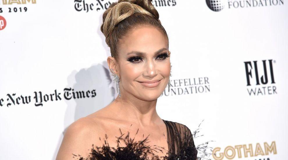 La 50 de ani are dieta pentru tinerețe fără bătrânețe! Vezi ce mănâncă Jennifer Lopez în fiecare zi