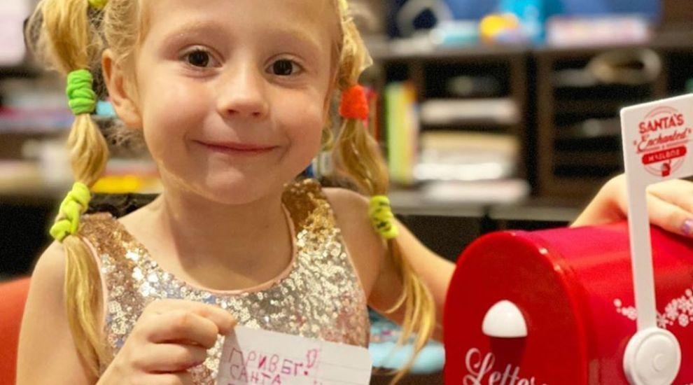 O fetiță din Rusia, în vârstă de 5 ani, câștigă 18 milioane pe an din YouTube. Care e secretul ei