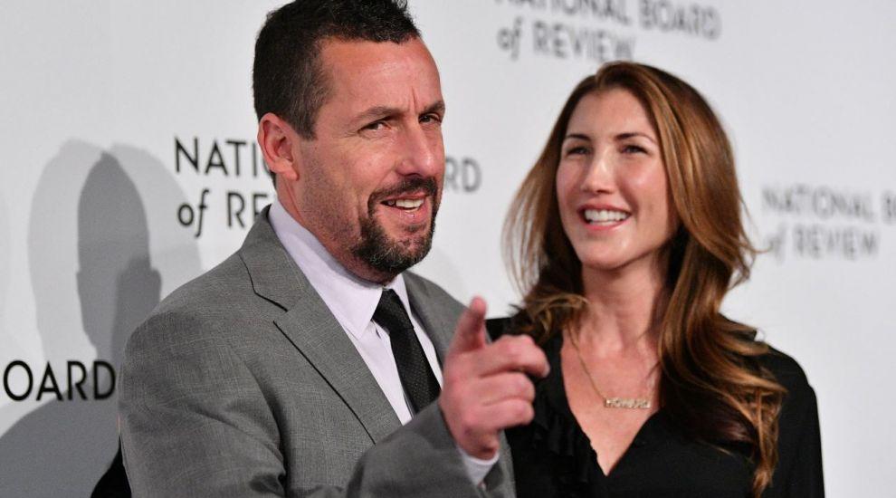 Cine e și cum arată soția lui Adam Sandler. Sunt căsătoriți de 16 ani