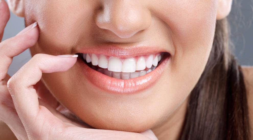 (P) Iată etapele tratamentului cu implant dentar și beneficiile acestei soluții moderne!