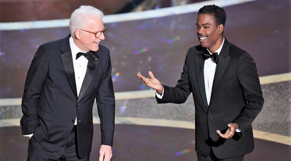 Jeff Bezos, ironizat de Chris Rock la premiile Oscar. Ce i-a spus actorul celui mai bogat om al planetei