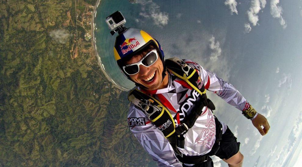VIDEO Omul zburător din Dubai. Vince Reffet, francezul care a fost poreclit Iron Man