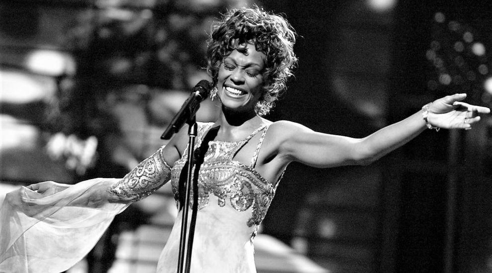"""O hologramă a lui Whitney Houston i-a scandalizat pe fanii artistei: """"Lăsați-o să se odihnească în pace"""""""