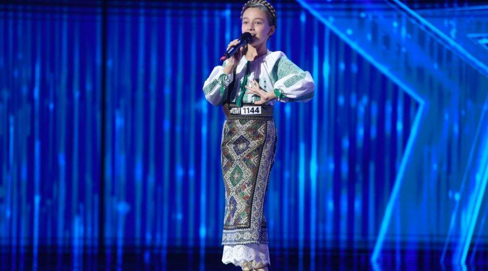 Românii au talent 2020 - Anastasia Ciobanu, cântăreața de muzică populară care a ridicat publicul la dans