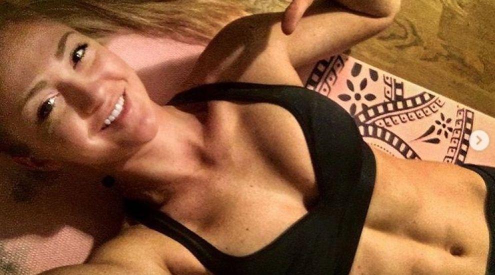 Brie Burgett, cea mai sexy femeie din armata SUA! La 28 de ani este comparată cu Păpușa Barbie