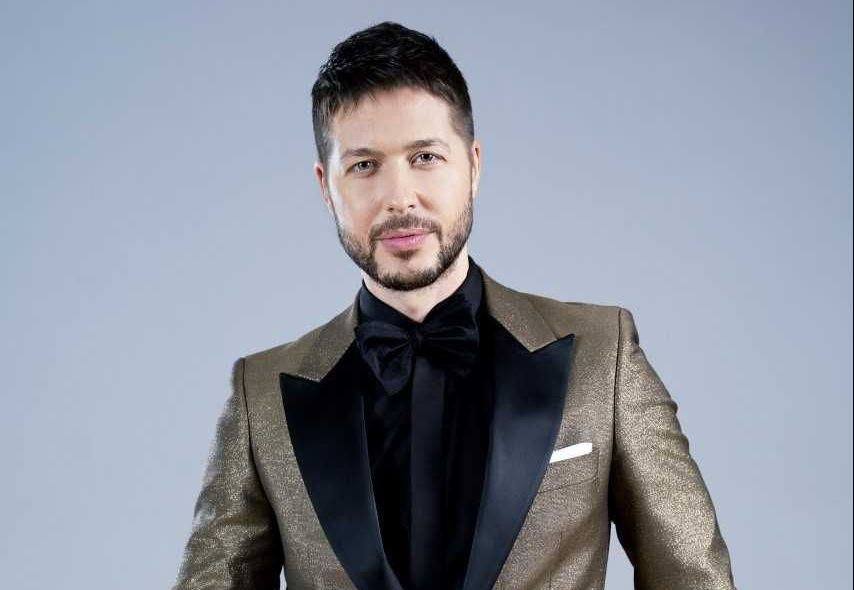 PREMIERA Andra va canta alaturi de David Bisbal in show-ul ...  |Masked Singer Romania