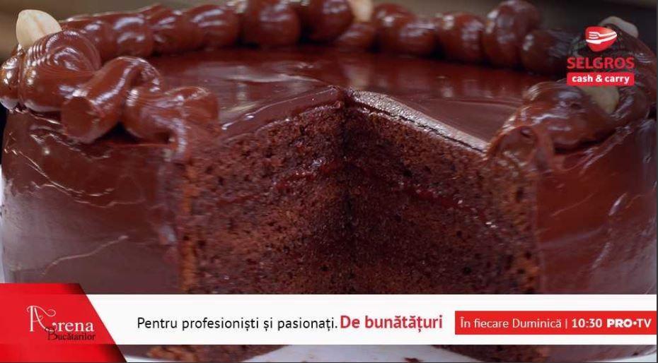 Alhambra (Tort cu ciocolată, alune și rom)