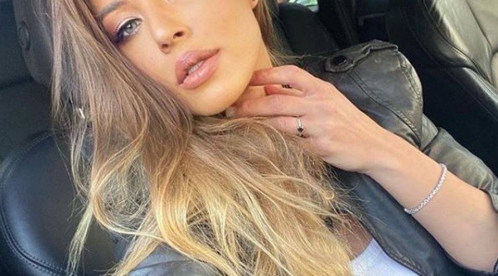 Roxana Nemeș, provocatoare în autoizolare! Cum s-a lăsat fotografiată