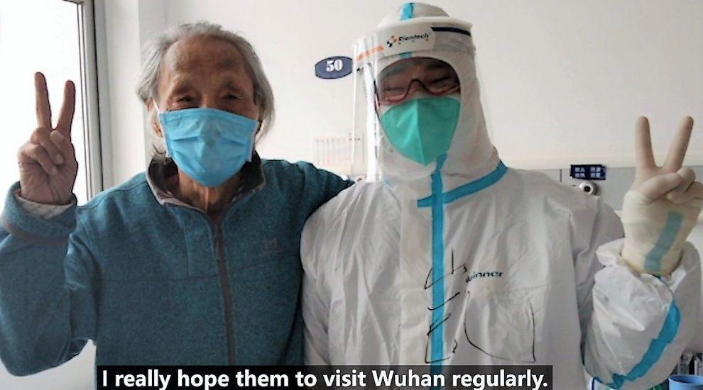Un bolnav de Covid-19 din China a fost scos la soare după o lună de carantină. Ce s-a întâmplat cu pacientul