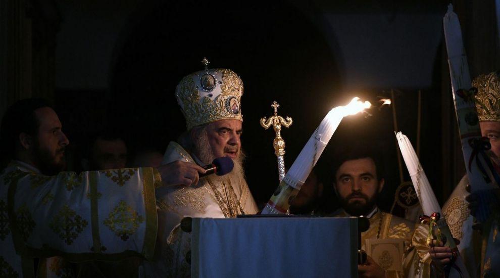 Slujba de Înviere, LIVE pe PROTVPlus.ro. Primim lumina împreună