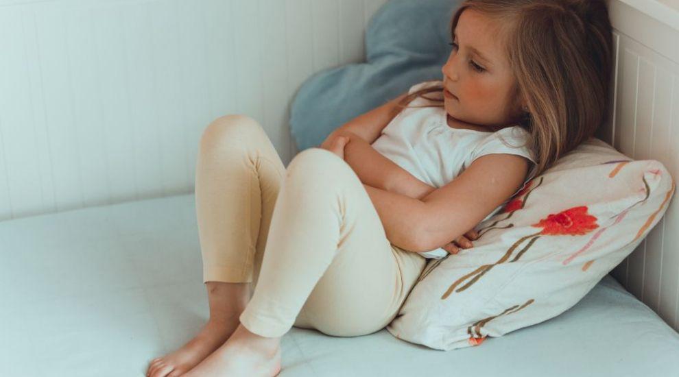 O nouă boală, similară cu Covid-19, le creează mari probleme copiilor britanici. Cum se manifestă și ce spun medicii