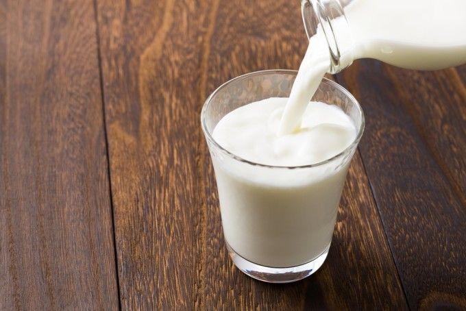 Laptele, esențial pentru dezvoltarea copiilor și a adolescenților. Cât trebuie să consume zilnic