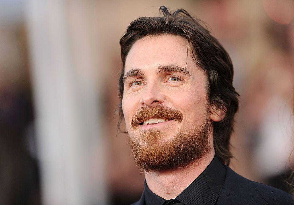 PRO TV - Christian Bale, într-o zi normală a vieții sale. Cum a ...